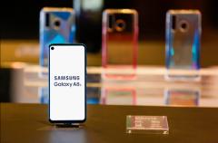 三星Galaxy A8s黑瞳全视屏打破当前全面屏同质化现状
